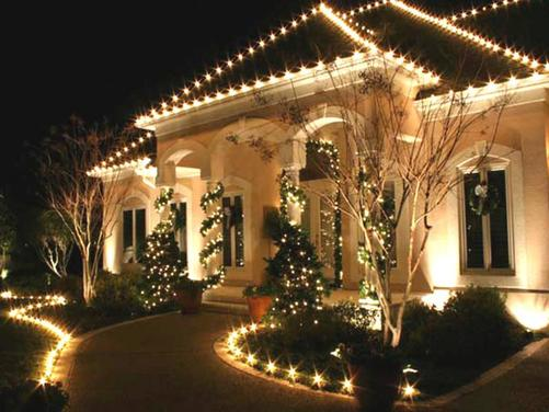 Dont forget the small space to decorate like windows you can add a festive look to your windows bt lightening them up with christmas lights